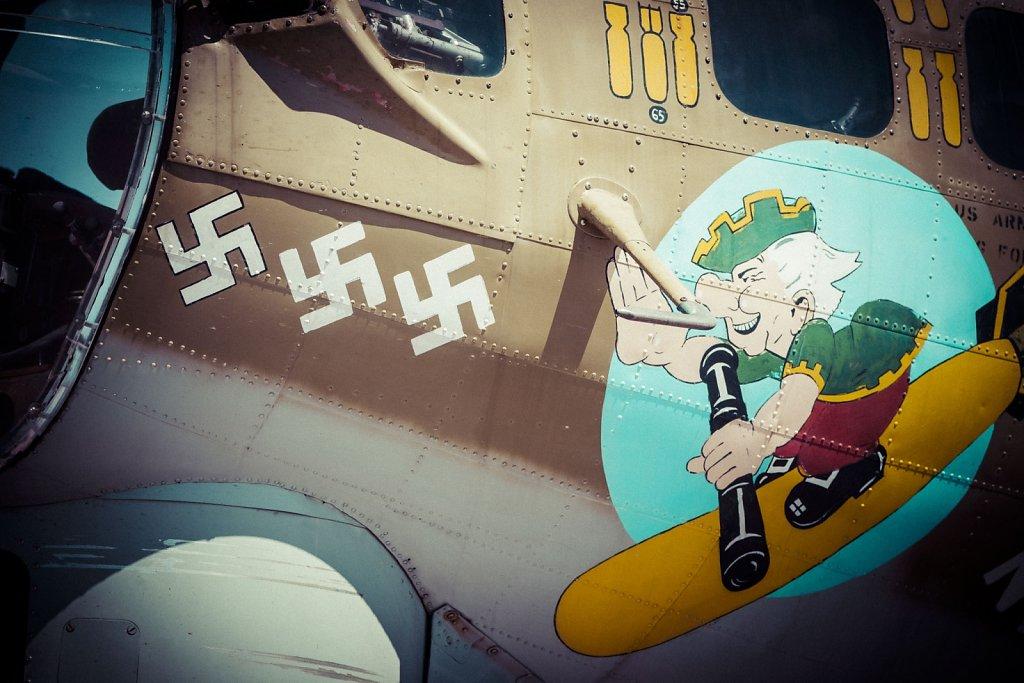 b-17-b-24-0415-002.jpg